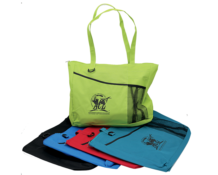 tote of different colors